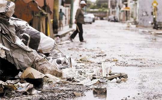 Lixo na chuvas Entupimentos Problemas Causados Desentupidora Curitiba