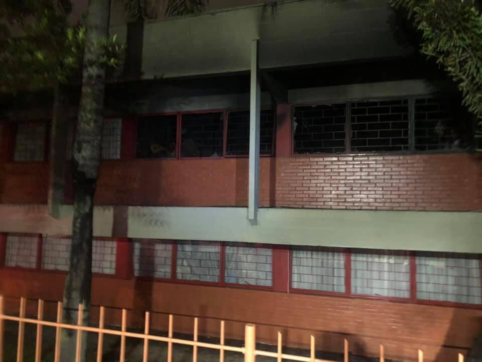 Incêndio atinge Escola Municipal Eny Caldeira, em Curitiba