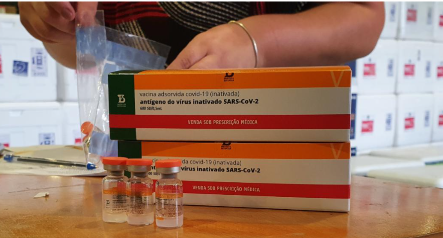 Aplicadores da vacina serão os primeiros a ser vacinados em Curitiba