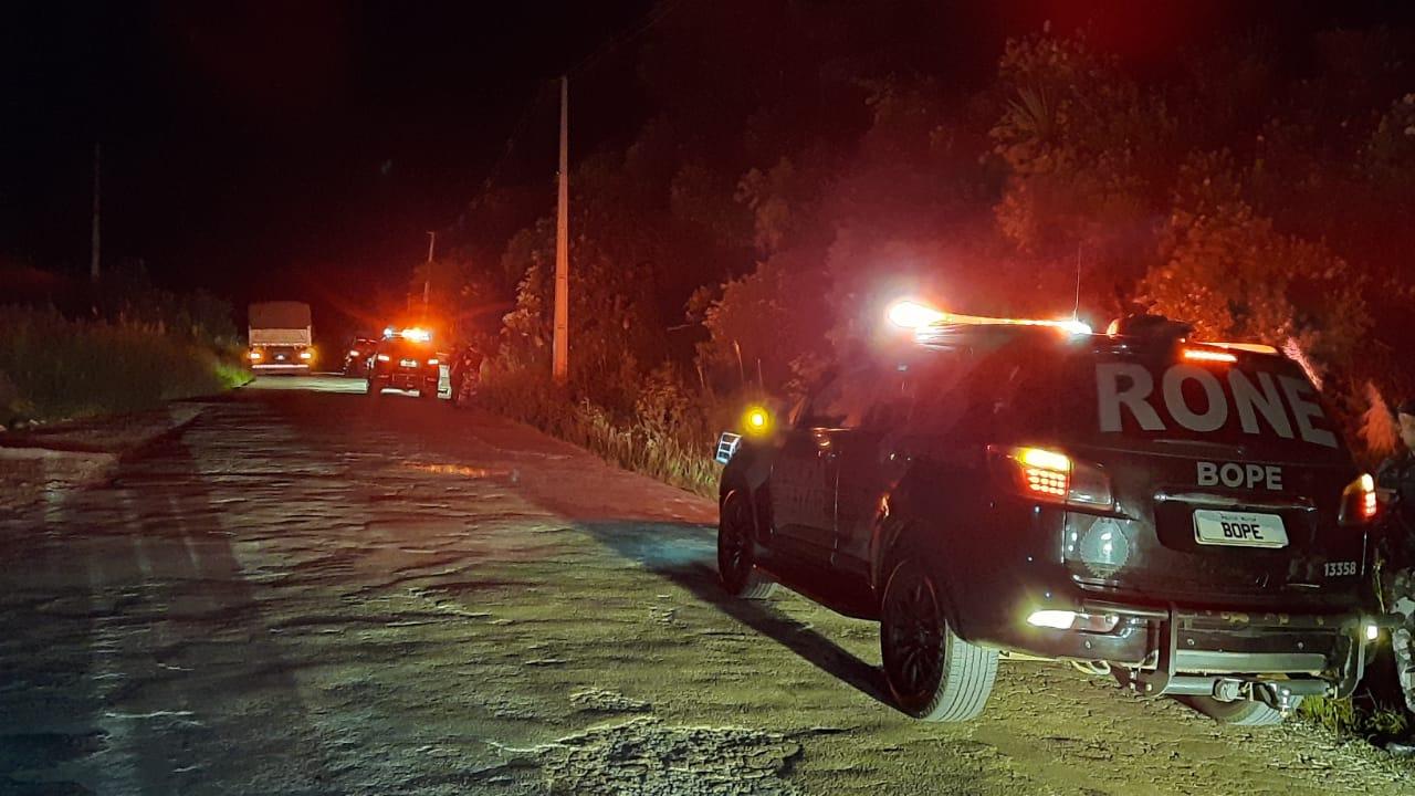 Dupla que teria furtado motocicleta em Curitiba morre em troca de tiros com policiais na RMC