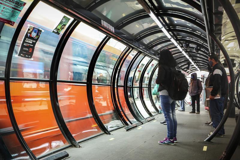Curitiba prorroga restrições contra Covid-19 até a madrugada de quarta (10) e limita capacidade dos ônibus em 70%