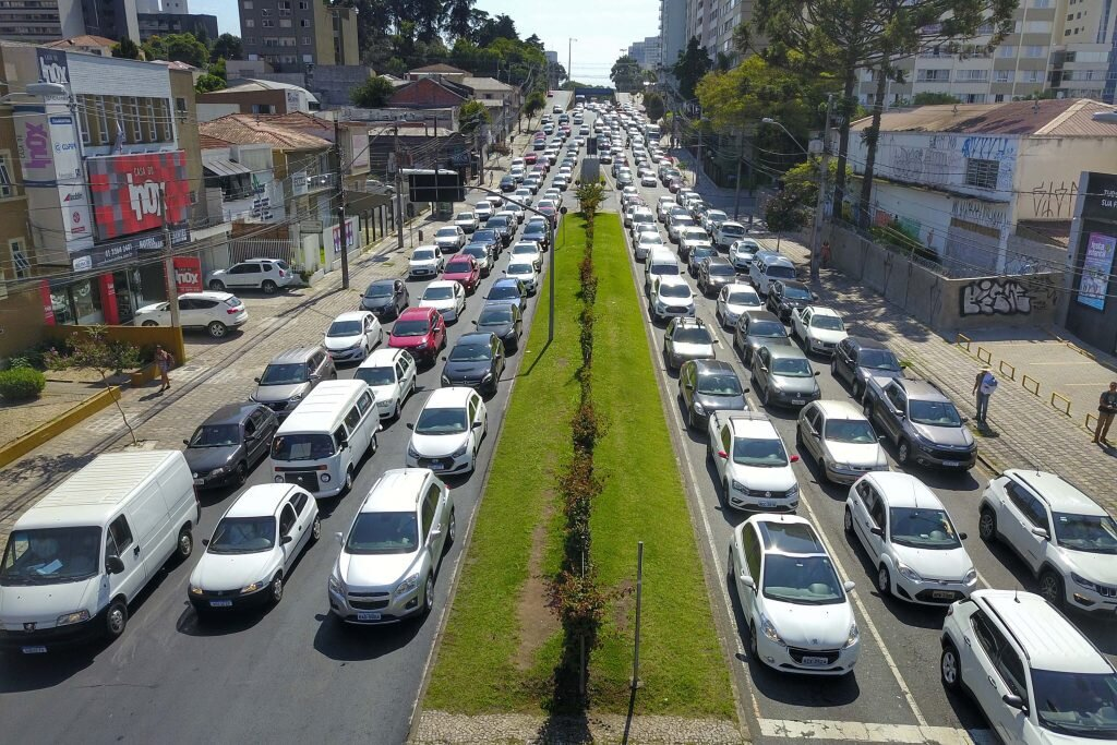 CMC vota regime de urgência a projetos envolvendo motoristas