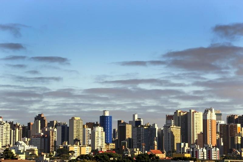 Mesmo na pandemia, mercado imobiliário cresce em Curitiba