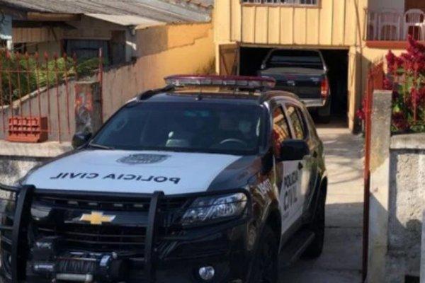 Caminhonete roubada após dono visitar cemitério é encontrada em garagem de Curitiba