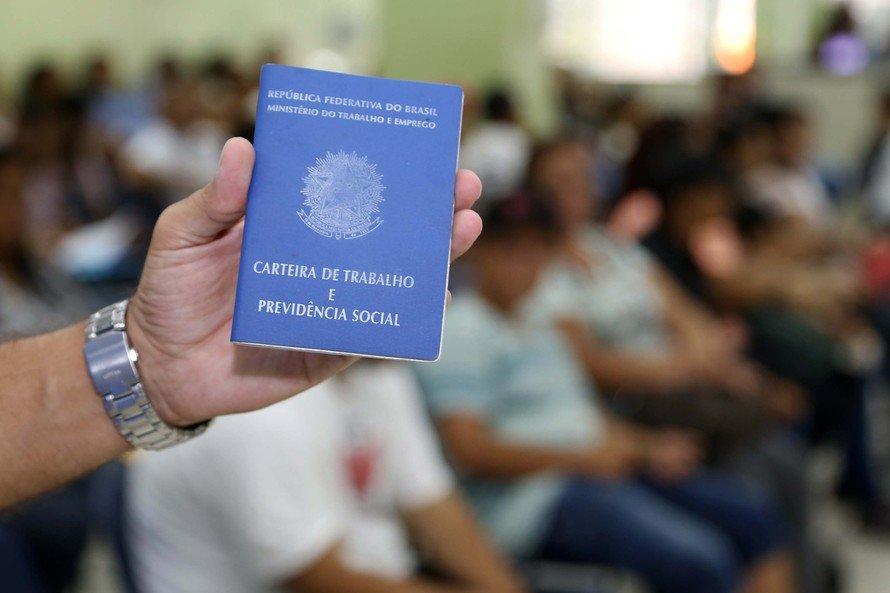 Curitiba e RMC tem mais de mil vagas abertas nas Agências do Trabalhador; saiba quais áreas